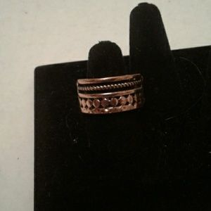 Paparazzi stretch ring  bronze color